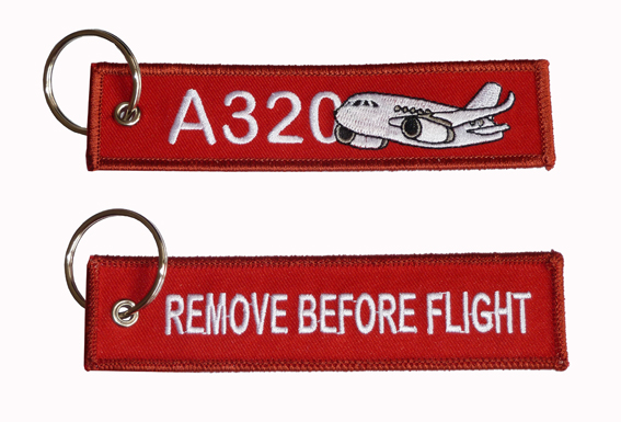 Llavero A320 remove before flight key tag